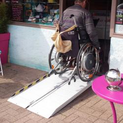 Rampe d'accès handicapé pour commerce - kit tout-en-un - Aluminium